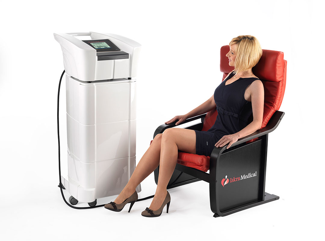TESLA-Care-prestige-therapy-red-chair